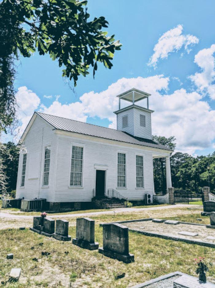 Side view of Gillisonville Baptist Church