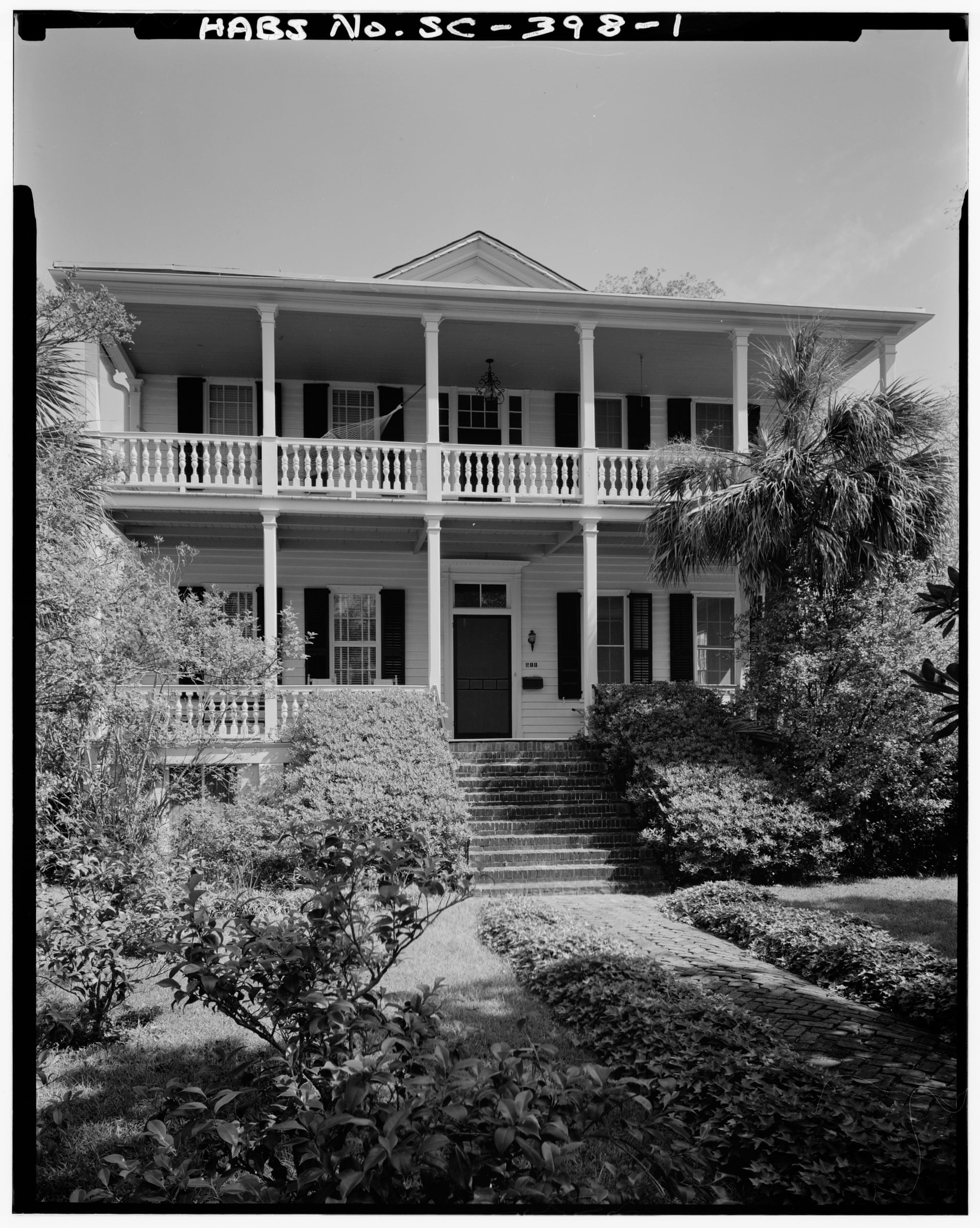 Exterior view of the home Robert Smalls grew up behind
