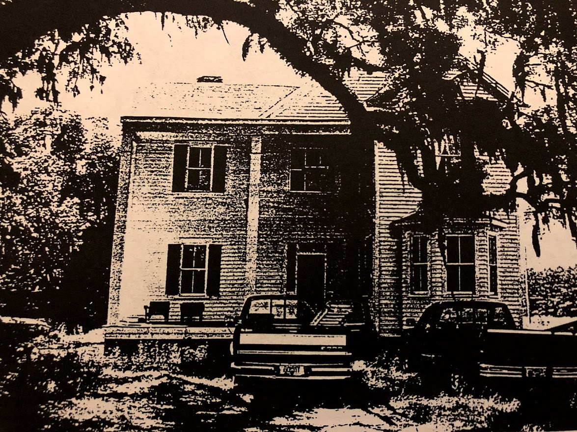 Picture of the Frampton Plantation House before undergoing renovations in 1993.